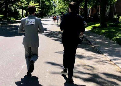 Foulée des Parcs 2019 Coureurs costumes de dos