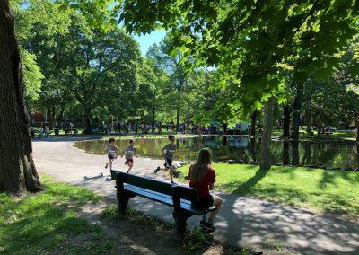 Foulée des Parcs 2019 Coureurs hors course 2KM dans parc outremont