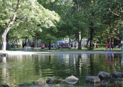 Foulées de Parcs 2019 Tente Bénévole vue de la pièce d'eau